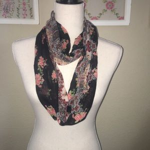 Accessories - Fall scarf bundle 4 total!